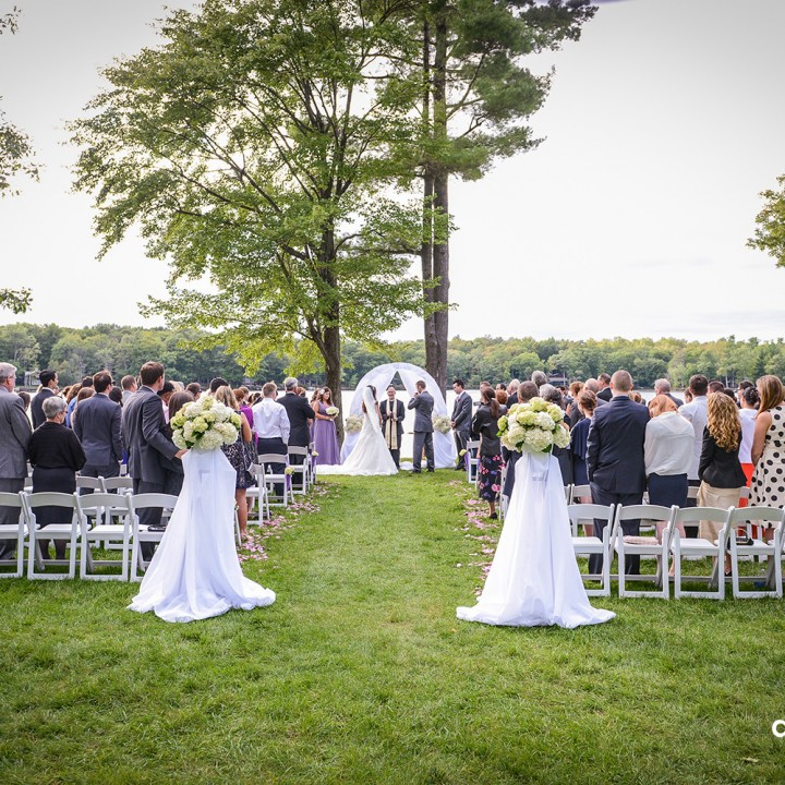 Priest stops a wedding to yell at Photographer