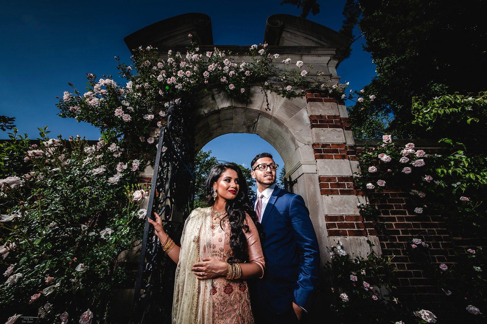 Old-Westbury-Garden-Pre-Wedding-Shoot Engagement