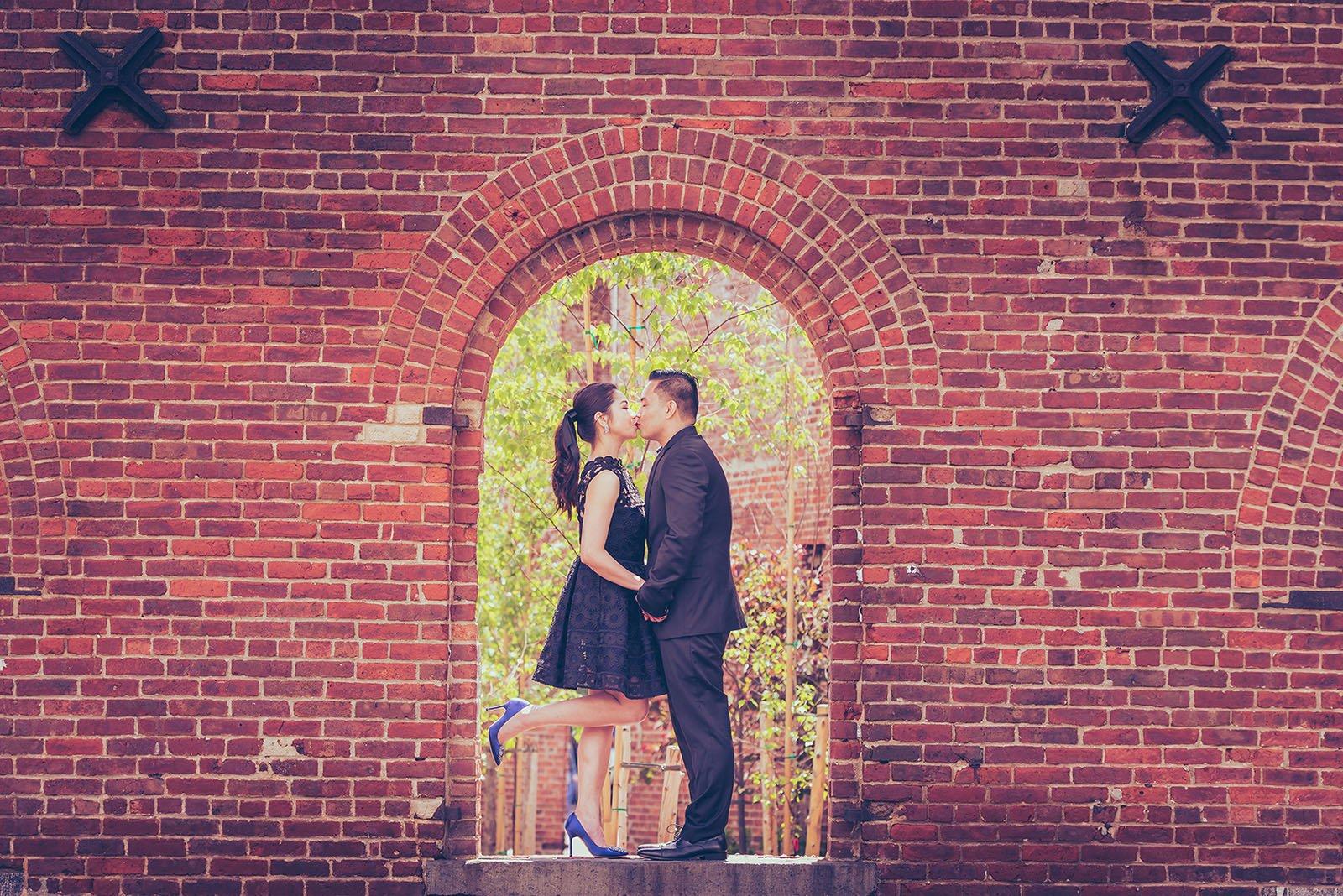 Pre-Wedding-Couple-Shoot-in-DUMBO Engagement