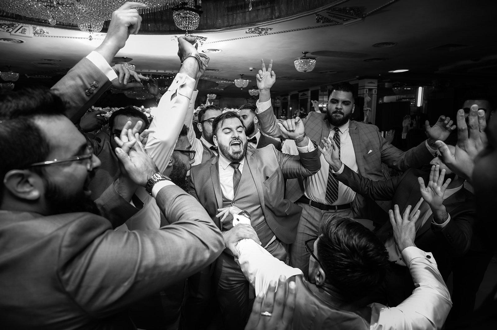 Leonards-Pallzzo-Wedding-Photo Wedding Moments